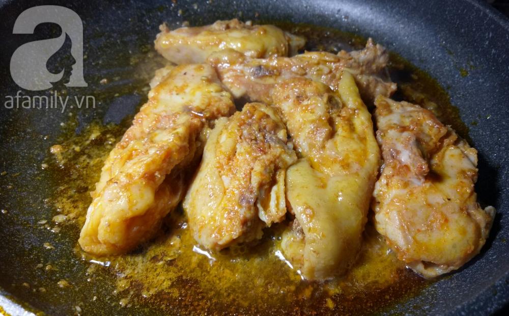 Nấu mì Quảng gà cho bữa sáng nóng hổi thơm ngon - Ảnh 4