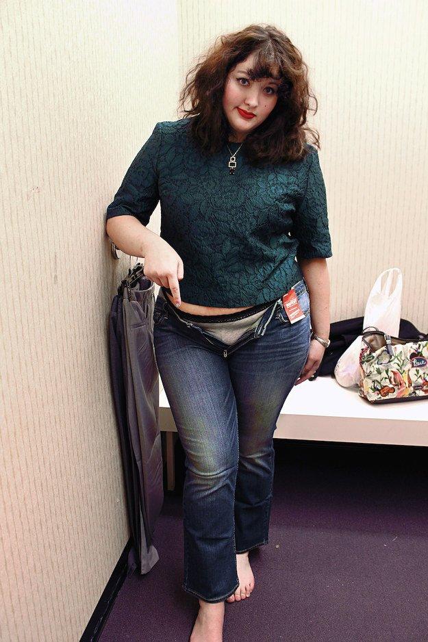 Một cô nàng ngoại cỡ thử 10 chiếc quần jeans của 10 hãng khác nhau, và đây là những điều cô cảm nhận được - Ảnh 8.
