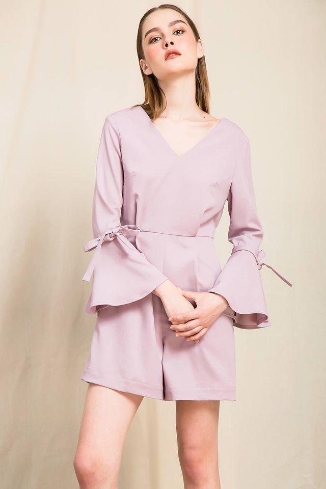 Nàng duyên dáng đừng bỏ qua loạt thiết kế váy-áo tay loe đến từ thương hiệu Việt này nhé! - Ảnh 6.