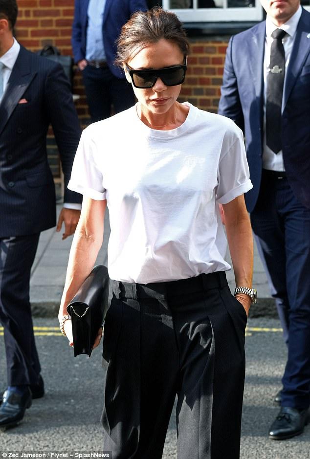 Victoria Beckhan - cao thủ diện áo phông trắng chất lừ mọi lúc mọi nơi - Ảnh 1.