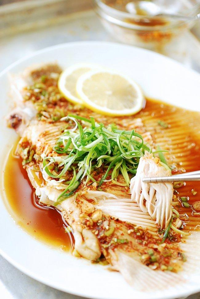 Học người Hàn cách làm món cá hấp thơm nức cực ngon - Ảnh 5.