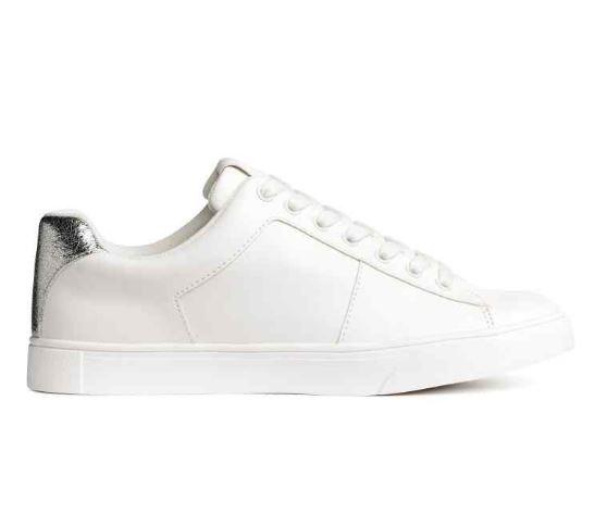 Loạt thương hiệu bình dân đã tung ra nhiều mẫu giày thể thao trắng cho các nàng tha hồ lựa chọn - Ảnh 9.