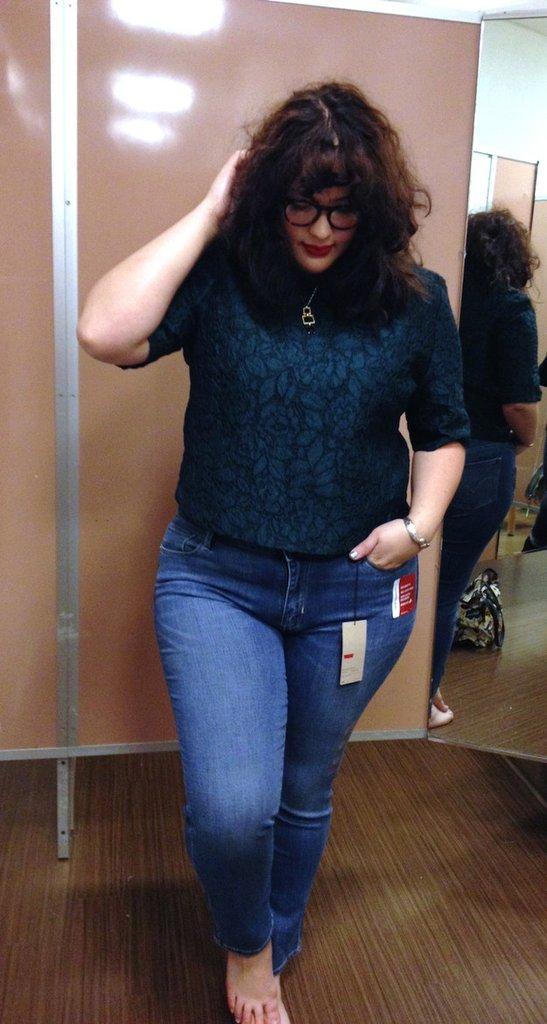 Một cô nàng ngoại cỡ thử 10 chiếc quần jeans của 10 hãng khác nhau, và đây là những điều cô cảm nhận được - Ảnh 9.