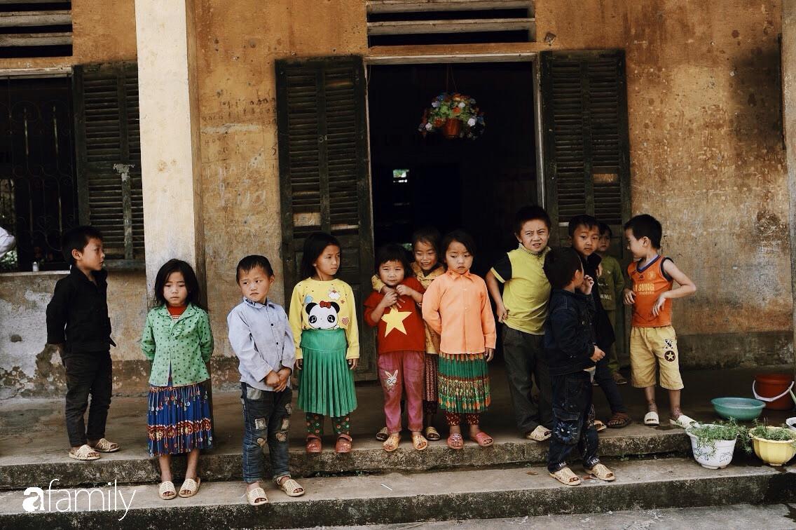 Mang Tết Trung Thu cho những đứa trẻ vùng cao nguyên đá, chúng tôi đổi lấy được nụ cười giòn và tươi như nắng - Ảnh 8.