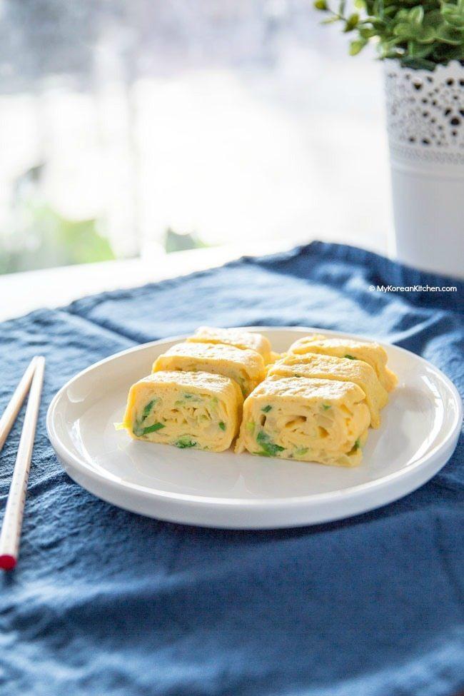10 phút làm món trứng cuộn phô mai ngon mê mẩn  - Ảnh 4.
