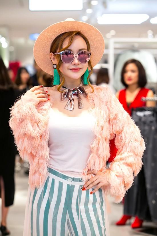 Người đẹp Vbiz lọt top sao mặc xấu không thương tiếc chỉ vì lỗi diện váy áo lộ nội y kém tinh tế - Ảnh 23.