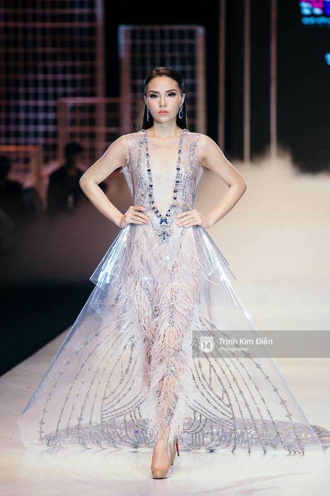 Sau tuần lễ thời trang Quốc tế Việt Nam Xuân/Hè 2017, đây là những xu hướng mà bạn không thể xem nhẹ - Ảnh 2.