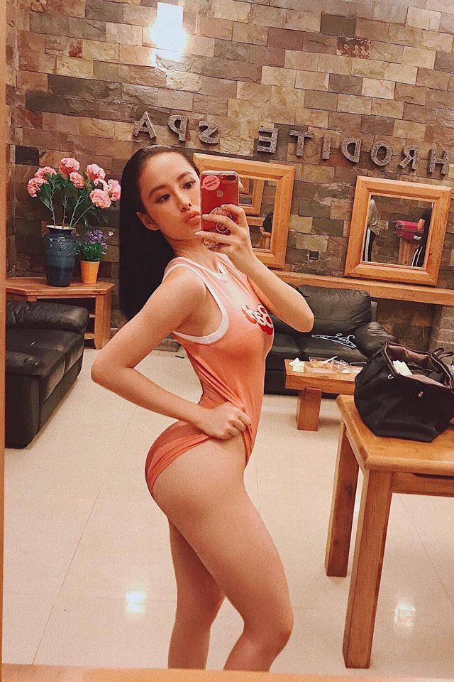 """Thay vì làm """"nữ hoàng thảm đỏ"""", năm 2017 Angela Phương Trinh chuyển mình làm """"nữ hoàng siêu vòng 3"""" - Ảnh 9."""