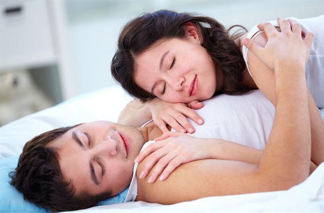 Sự thỏa mãn trong quan hệ chăn gối mang lại nhiều lợi ích cho cả đàn ông và phụ nữ - Ảnh: Internet