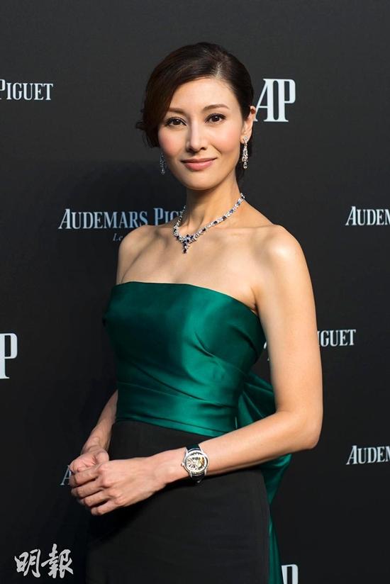Nàng hoa hậu đẹp nhất lịch sử Hong Kong: Từ tai tiếng hồ ly tinh đến phu nhân tỷ phú - Ảnh 19.