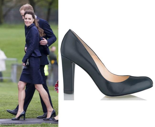 Từ năm ngoái đến năm nay mà set đồ của Công nương Kate vẫn giống y chang nhau - Ảnh 4.