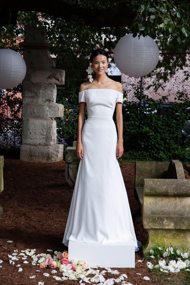 Nhìn lại 4 lần khoác lên mình bộ váy cưới và dự đoán chiếc váy mà Song Hye Kyo sẽ chọn mặc ngày 31 này  - Ảnh 12.