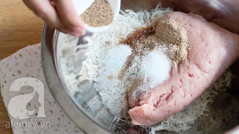 Tết này học ngay cách tự làm nem chua vừa ăn vừa biếu an toàn, lịch sự - Ảnh 7