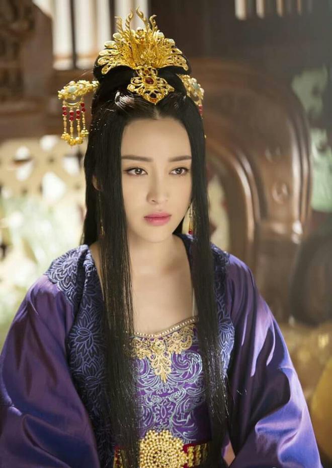 Cuộc đời bi kịch của Hoàng hậu yêu nhầm anh rể: chị gái phẫn uất từ mặt, sa cơ phải đi hầu hạ cho kẻ thù cướp nước - Ảnh 7.