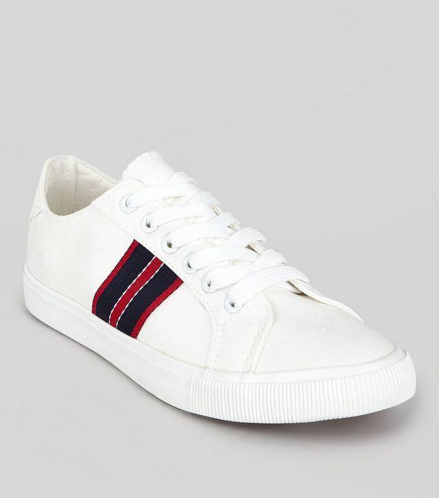 Loạt thương hiệu bình dân đã tung ra nhiều mẫu giày thể thao trắng cho các nàng tha hồ lựa chọn - Ảnh 13.