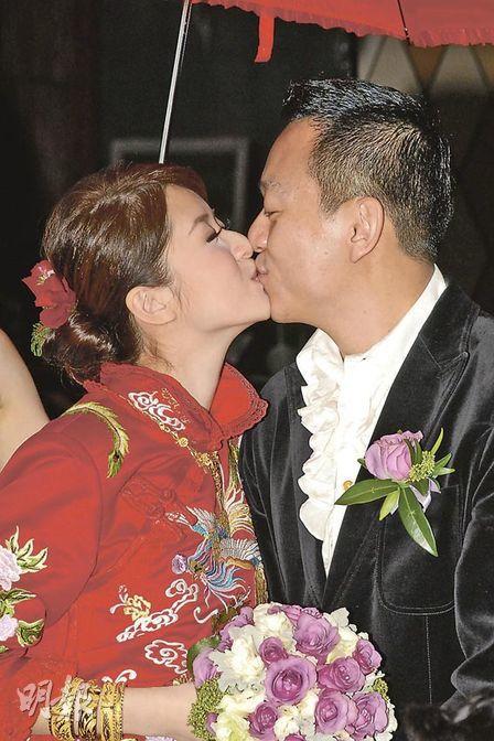 Là vợ đại gia, sống trong nhung lụa, mỹ nhân Hong Kong 3 con gái bị nhà chồng gây áp lực sinh bằng được con - Ảnh 5.