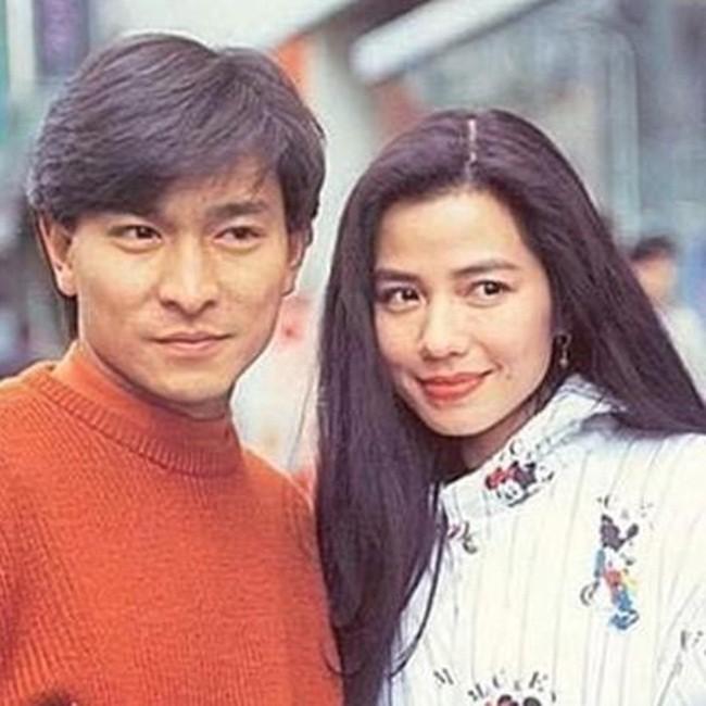 Chung Sở Hồng: Từ cô đào Hong Kong nóng bỏng giải nghệ để làm vợ đại gia đến góa phụ quyến rũ - Ảnh 11.