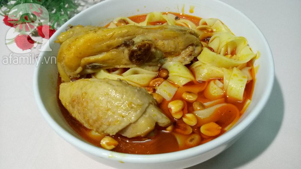 Nấu mì Quảng gà cho bữa sáng nóng hổi thơm ngon - Ảnh 7