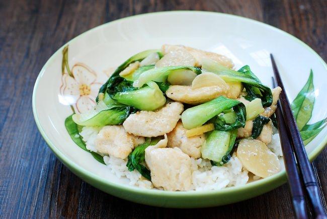 Gà xào cải theo phong cách Hàn Quốc đơn giản mà trôi cơm đến không ngờ - Ảnh 6.