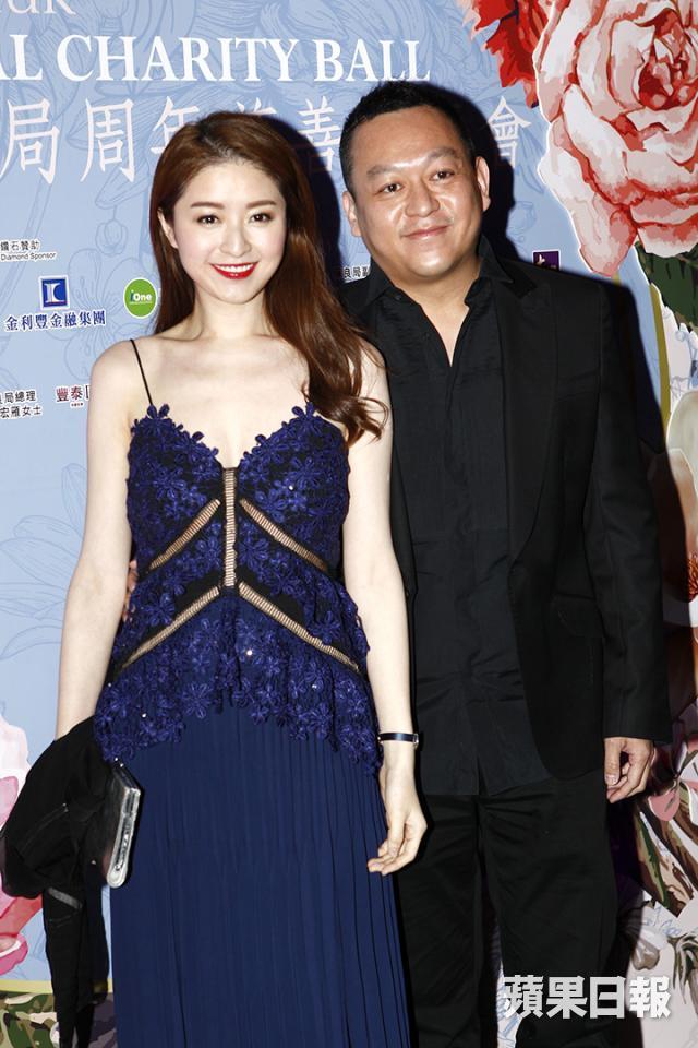 Là vợ đại gia, sống trong nhung lụa, mỹ nhân Hong Kong 3 con gái bị nhà chồng gây áp lực sinh bằng được con - Ảnh 3.