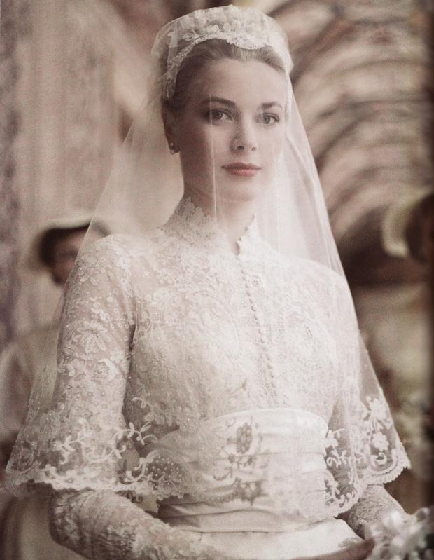 1 trong 3 mẫu váy cưới của Thu Thảo được lấy cảm hứng từ mẫu váy của công nương Grace Kelly - Ảnh 7.