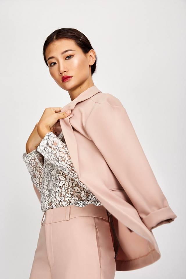 Những thiết kế blazer giá chưa quá 700 ngàn đến từ các thương hiệu Việt bạn cần sắm ngay trong thu này - Ảnh 12.