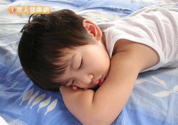 Cảnh báo: Bé trai tử vong nghi do mắc bệnh dại vì chơi với chó mèo trong nhà - Ảnh 2.