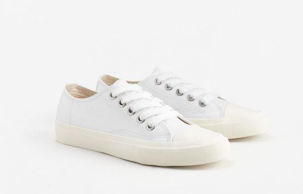 Loạt thương hiệu bình dân đã tung ra nhiều mẫu giày thể thao trắng cho các nàng tha hồ lựa chọn - Ảnh 10.