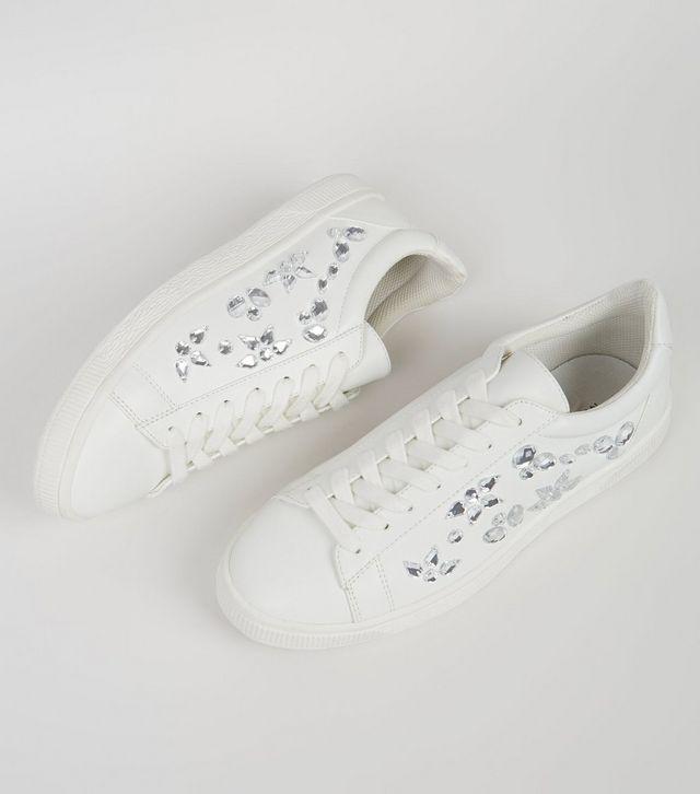 Loạt thương hiệu bình dân đã tung ra nhiều mẫu giày thể thao trắng cho các nàng tha hồ lựa chọn - Ảnh 15.