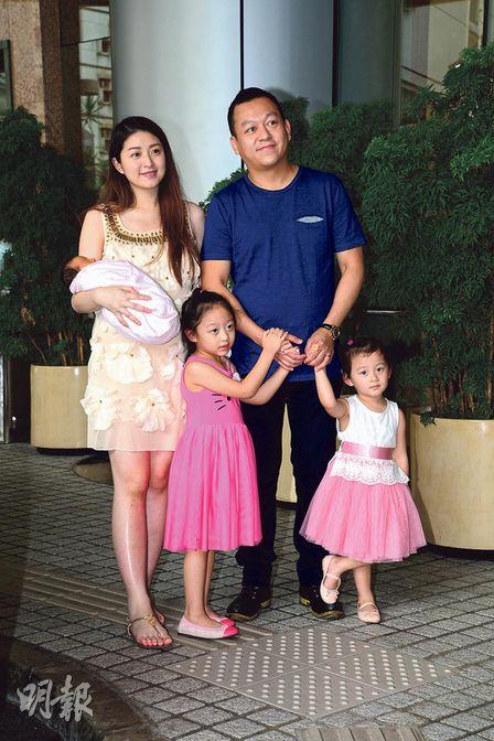 Là vợ đại gia, sống trong nhung lụa, mỹ nhân Hong Kong 3 con gái bị nhà chồng gây áp lực sinh bằng được con - Ảnh 8.