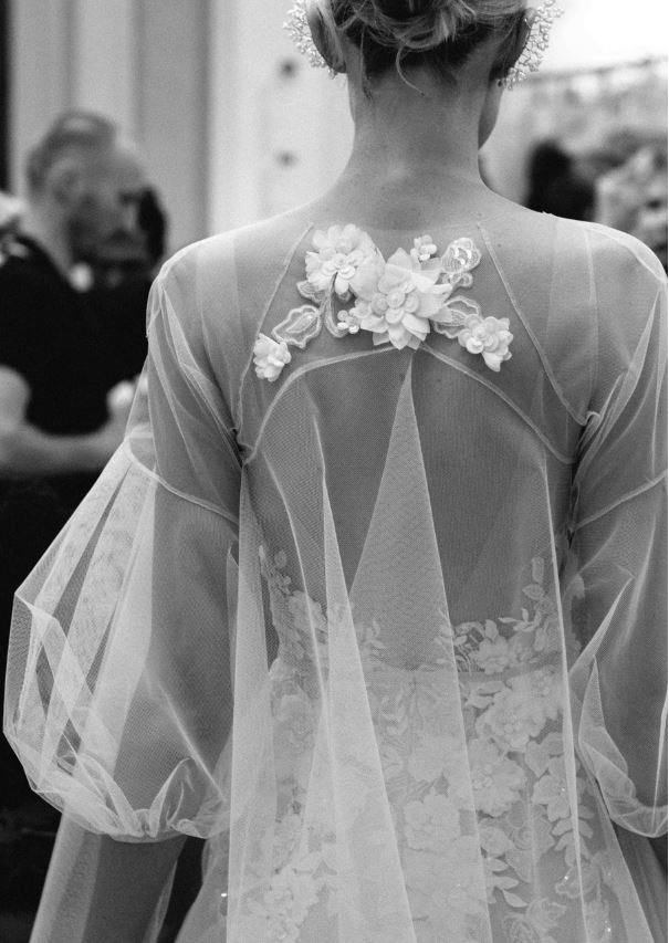 Muốn gây ấn tượng trong ngày trọng đại, các cô dâu đừng bỏ qua 7 mẫu váy này - Ảnh 10.