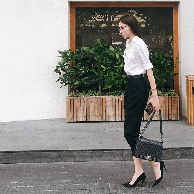 3 mẫu túi Chanel cổ điển với sức hút vượt trời gian khiến phái đẹp Việt không thể không mê - Ảnh 12.