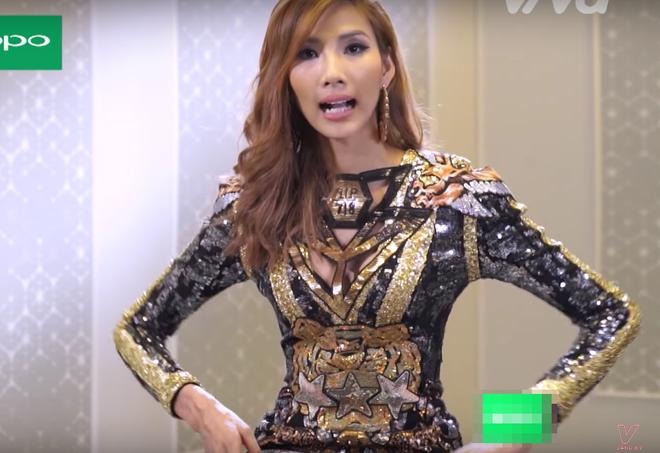 The Face Việt 2017: Đến HLV còn có lúc mặc xấu huống chi là các thí sinh dự thi - Ảnh 6.