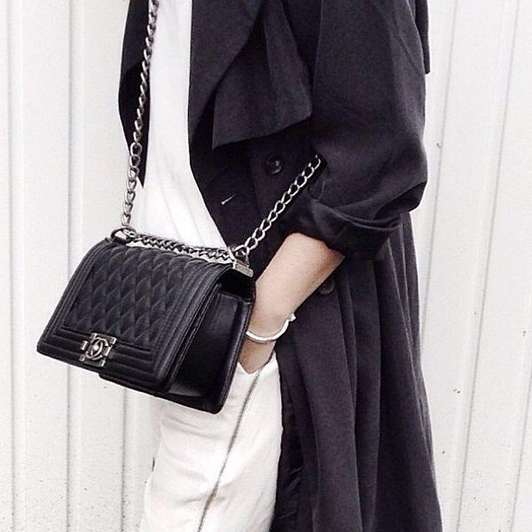 3 mẫu túi Chanel cổ điển với sức hút vượt trời gian khiến phái đẹp Việt không thể không mê - Ảnh 11.