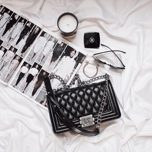 3 mẫu túi Chanel cổ điển với sức hút vượt trời gian khiến phái đẹp Việt không thể không mê - Ảnh 10.
