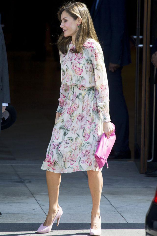 Đây là 4 thiết kế của Zara được Letizia - Hoàng hậu Tây Ban Nha diện đẹp nhất trong năm 2017 - Ảnh 4.