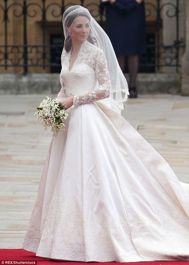 Sang năm mới cưới, nhưng đã có loạt dự đoán về chiếc váy mà hôn thê của Hoàng tử Harry sẽ mặc  - Ảnh 2.