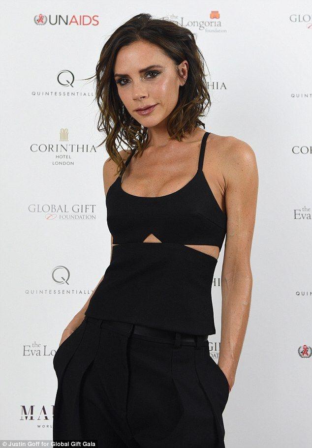 Phẫu thuật ngực tới 4 lần, Victoria Beckham thừa nhận đây là việc làm khiến cô hối hận - Ảnh 2.