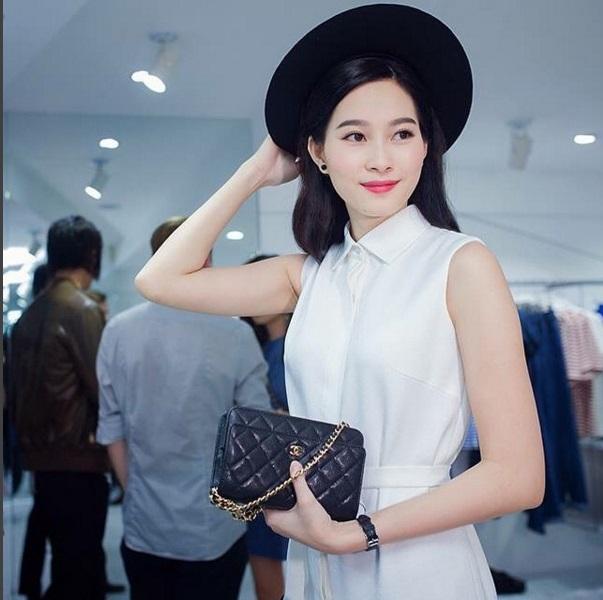 3 mẫu túi Chanel cổ điển với sức hút vượt trời gian khiến phái đẹp Việt không thể không mê - Ảnh 24.