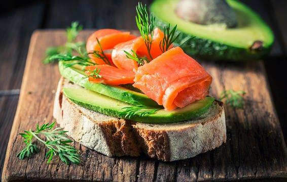 6 đồ ăn sáng giúp no lâu và làm bạn nhìn trẻ hơn - Ảnh 3.