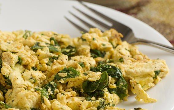 6 đồ ăn sáng giúp no lâu và làm bạn nhìn trẻ hơn - Ảnh 4.