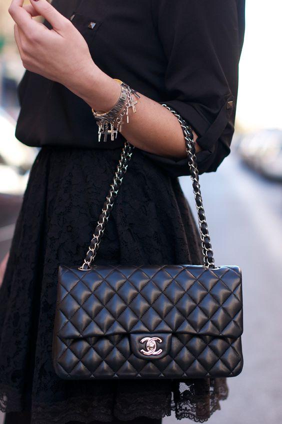3 mẫu túi Chanel cổ điển với sức hút vượt trời gian khiến phái đẹp Việt không thể không mê - Ảnh 3.