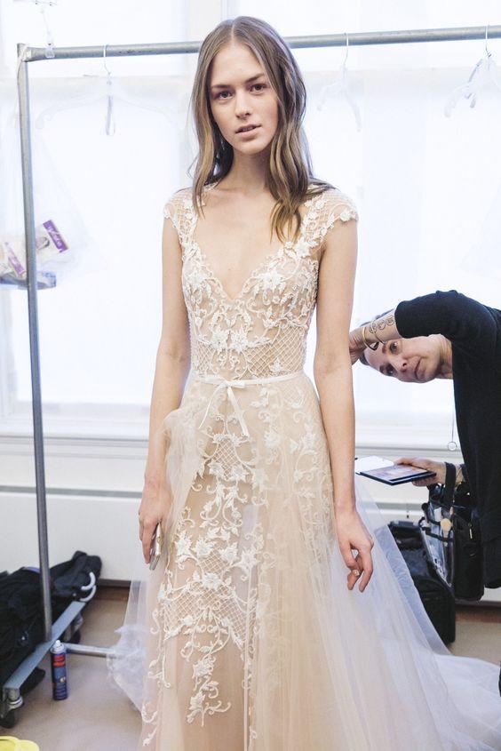 Muốn gây ấn tượng trong ngày trọng đại, các cô dâu đừng bỏ qua 7 mẫu váy này - Ảnh 29.