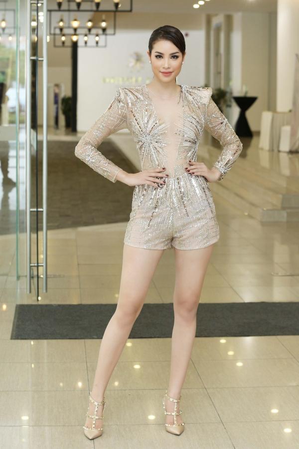 Từ mờ nhạt về nhan sắc lẫn phong cách thời trang, phải mất tận 7 năm Phạm Hương mới có chỗ đứng trong Vbiz - Ảnh 32.