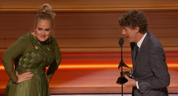 Chỉ cần xuất hiện là Adele càn quét hết các giải thưởng của Grammy 2017 - Ảnh 4.