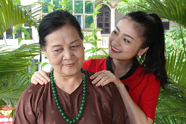 """Đây là 6 bà mẹ chồng của màn ảnh Việt khiến ai nấy đều hoảng hồn vì những """"mưu thâm kế độc"""" hành hạ con dâu - Ảnh 4."""