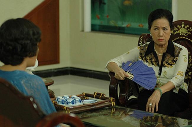 """Đây là 6 bà mẹ chồng của màn ảnh Việt khiến ai nấy đều hoảng hồn vì những """"mưu thâm kế độc"""" hành hạ con dâu - Ảnh 8."""