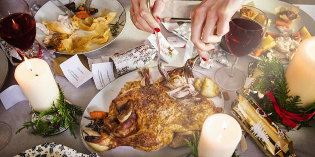 Đừng dại mà ăn uống thả cửa trong dịp Tết: Nguy hại hơn nhiều so với bạn tưởng - Ảnh 1.