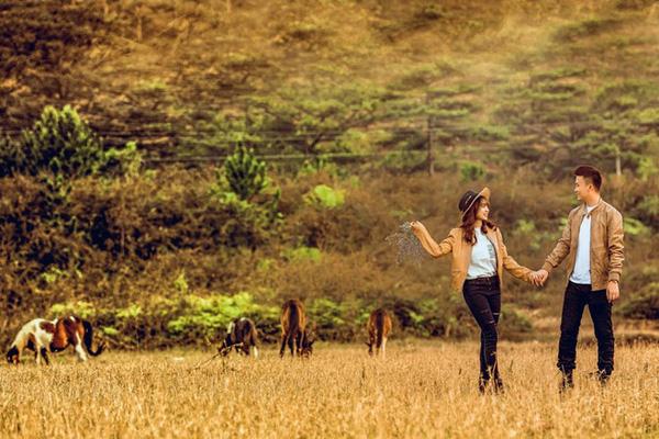 Điểm danh dâu rể Việt nổi tiếng vì trèo đèo lội suối xuyên Việt, chi bạc tỷ cho ảnh cưới - Ảnh 24.