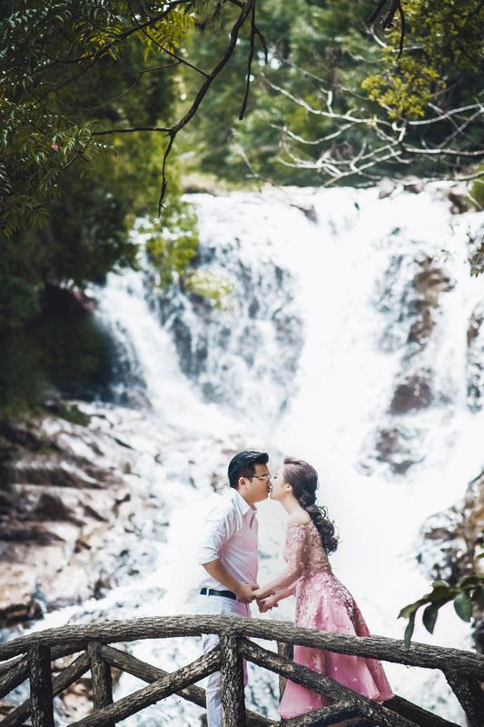 Điểm danh dâu rể Việt nổi tiếng vì trèo đèo lội suối xuyên Việt, chi bạc tỷ cho ảnh cưới - Ảnh 21.